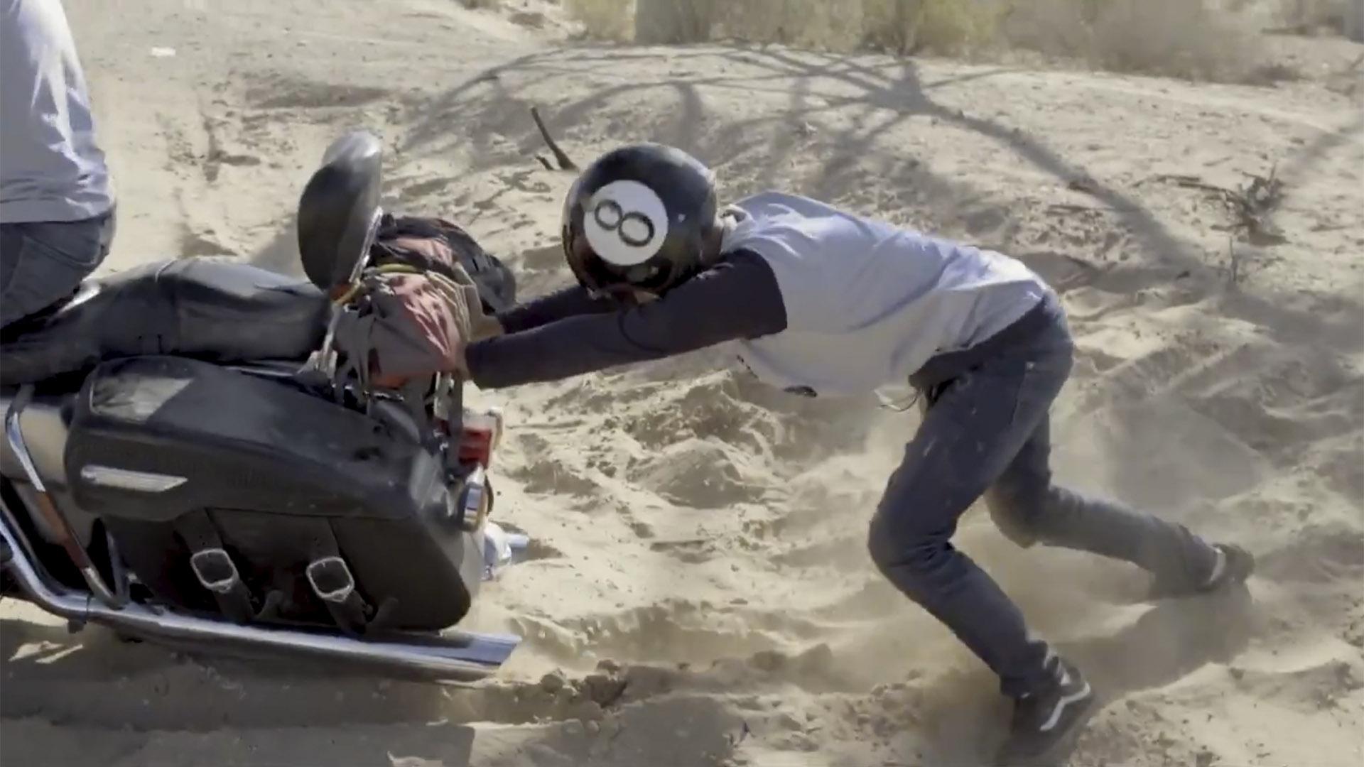 Chaparreando: una travesía en moto en el reality de Disney Plus