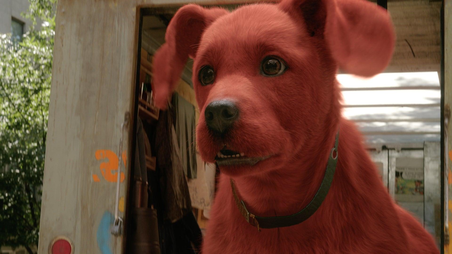 Paramount lanzó el tráiler de la película live action Clifford el gran perro rojo